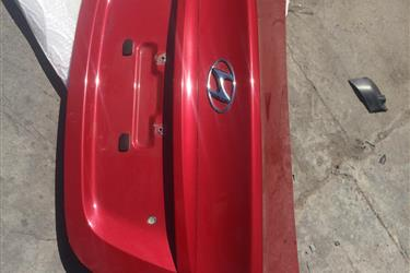 12-17 Hyundai Accent rear trun en Los Angeles