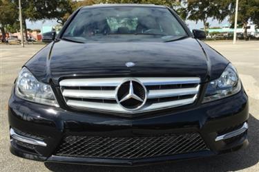 2014 Mercedes Benz C250 Sedan en Los Angeles County