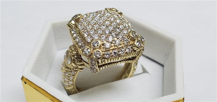 El Palacio de Oro y Diamantes image 1