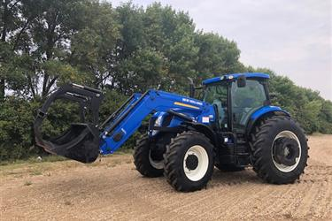Tractor New Holland T7-235 en Santa Cruz