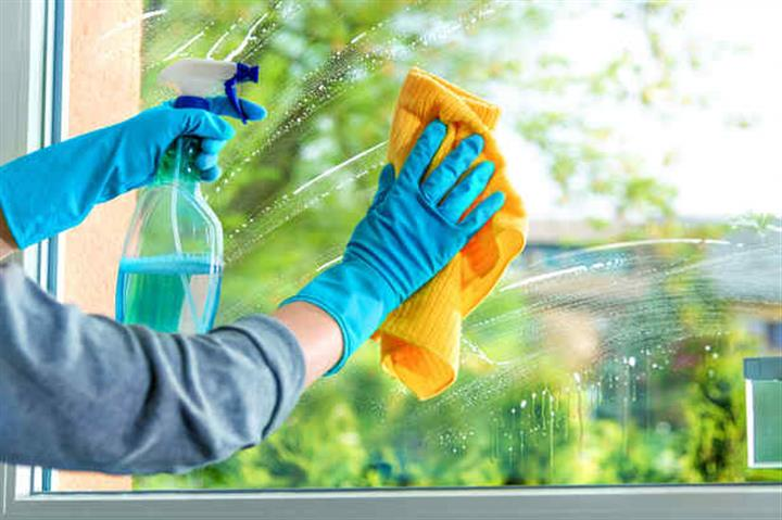 L.O HOUSE CLEANING SERVICE.. image 3