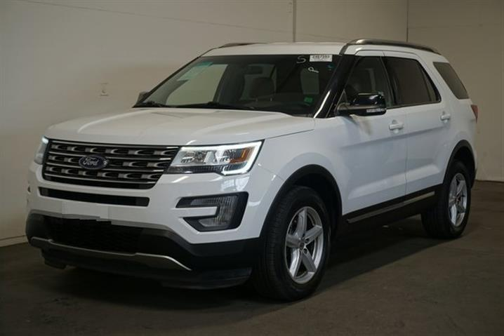 $188000 : FORD EXPLORER AÑO 2016 image 1