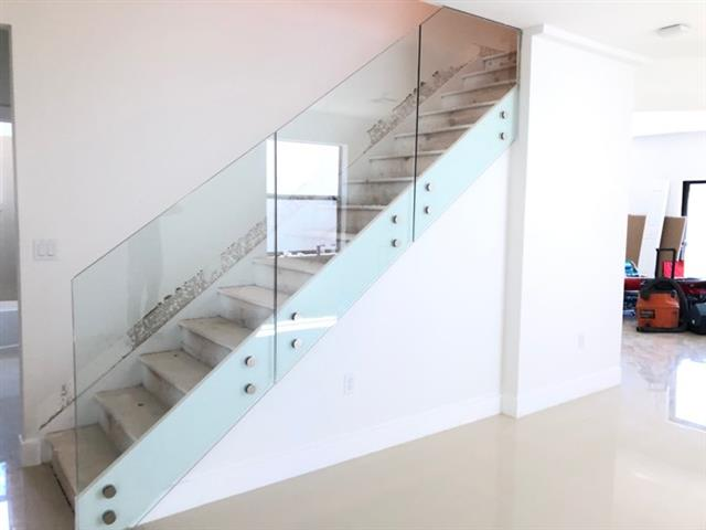 Yordi shower glass & Mirror image 8