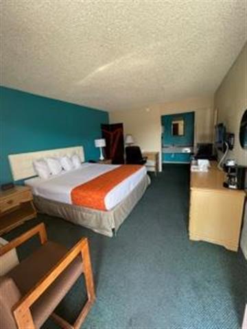 Howard Johnsons Inn image 4