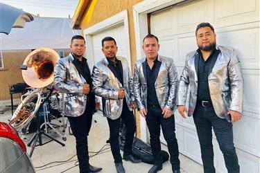 Grupo norteño con Tuba en Los Angeles County