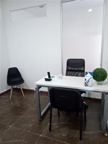 $4500 : Oficina amueblada en Querétaro image 3