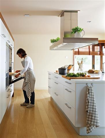 L.O House Cleaning Service. image 2