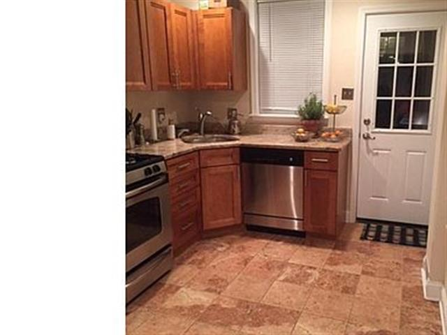 $1175 : House for rent image 2