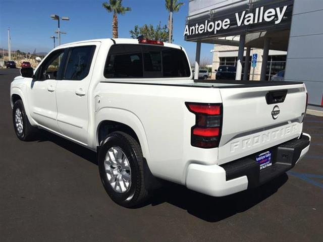 $33685 : 2022 Nissan Frontier SV image 5