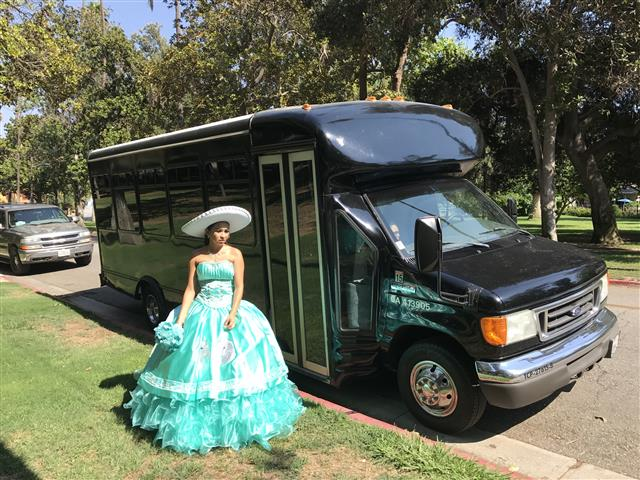 Limo bus Hummer Escalade $95hr image 4