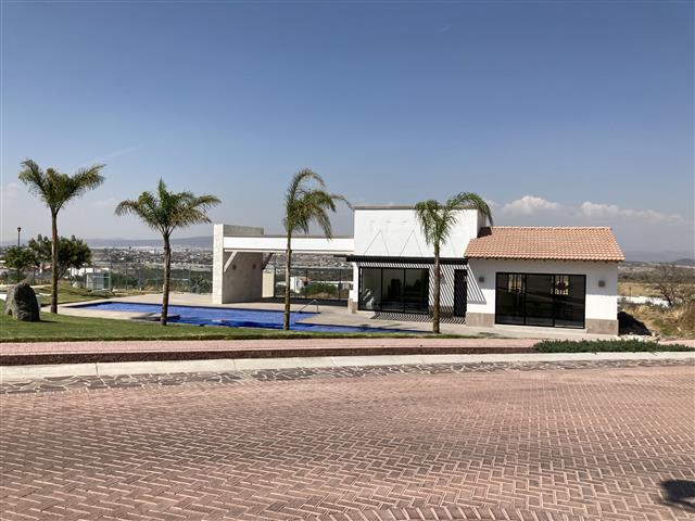 $842985 : Vta de 5 Lotes Cd Maderas Qro image 2