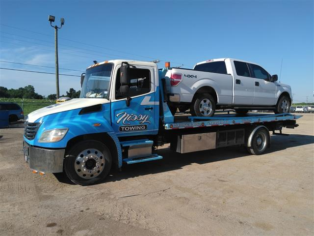 Nissi Towing image 4