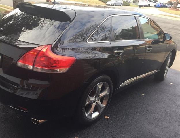 $8000 : 2011 Toyota Venza XLE Wagon 4D image 3