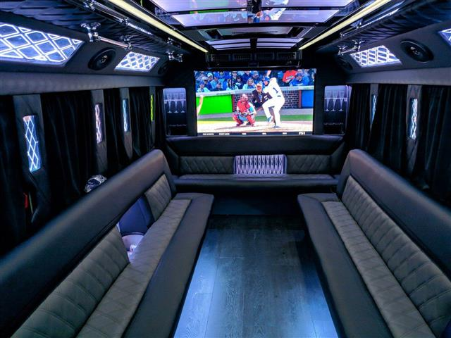 Party bus Hummer H2 image 3