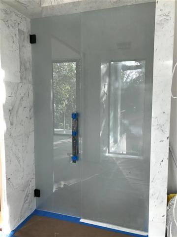 Yordi shower glass & Mirror image 6