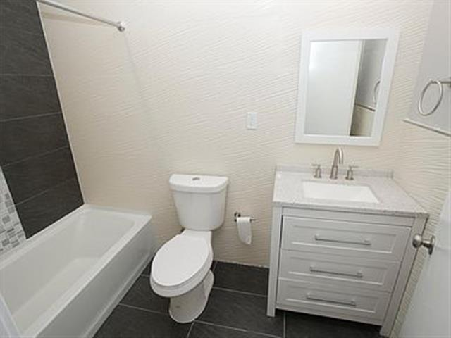 $1400 : Apartment for rent image 4