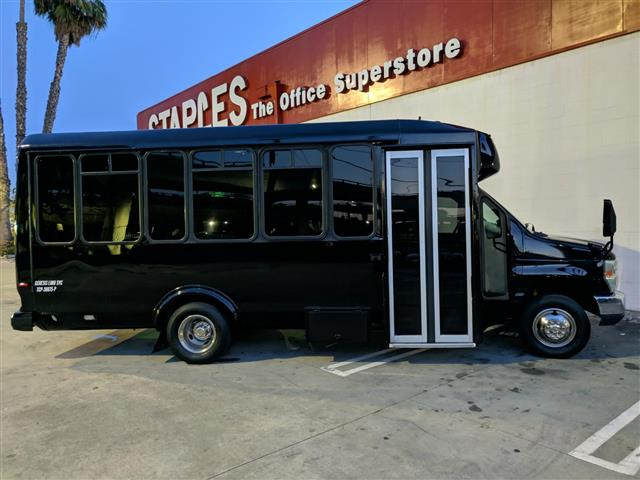 Party bus Hummer $95hr image 4