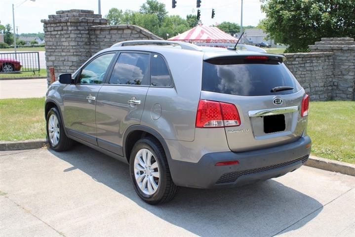 $5000 : 2011 Kia Sorento EX SUV image 3