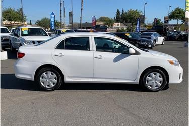 2013 Toyota Corolla L Sedan en Los Angeles