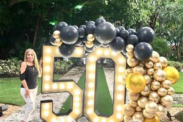 COORDINADORA DE 50 ANIVERSARIO en Miami