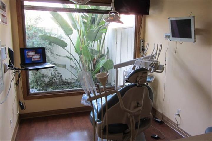 North Hollywood Dental Group image 2