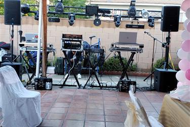 EL DJ DE TU FIESTA,,, en Bakersfield