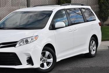 2018 Toyota Sienna LE Minivan en Los Angeles