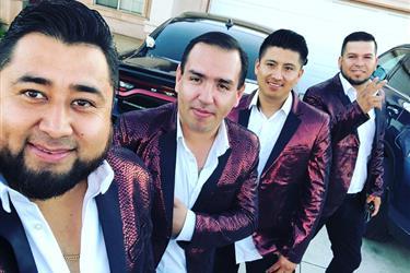 Grupo con Tuba 323 9212602 en Los Angeles