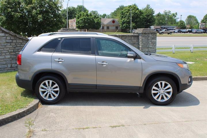 $5000 : 2011 Kia Sorento EX SUV image 1