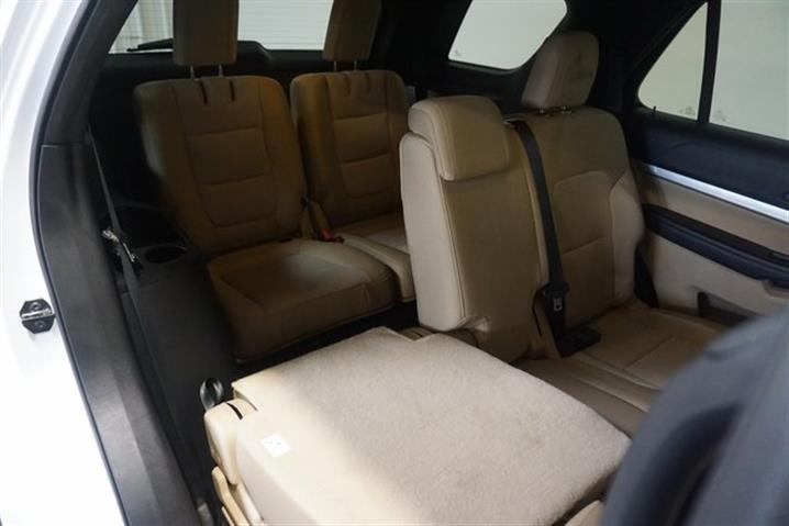 $188000 : FORD EXPLORER AÑO 2016 image 4