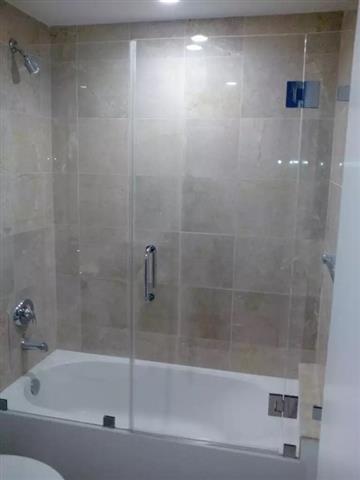 Yordi shower glass & Mirror image 1