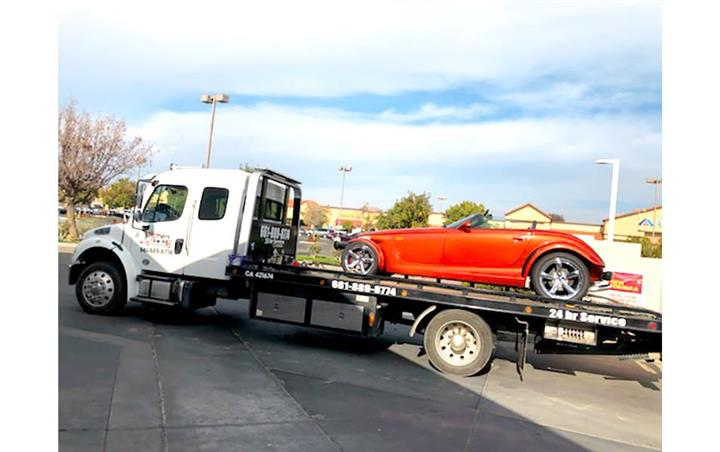 TOWING SERVICE image 1