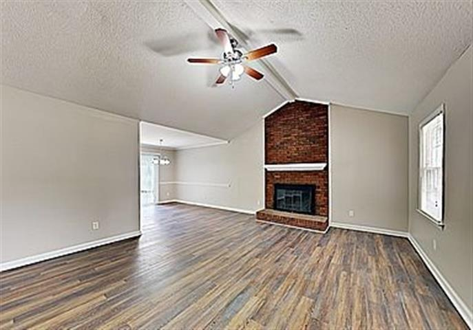 $900 : House for rent!! image 3