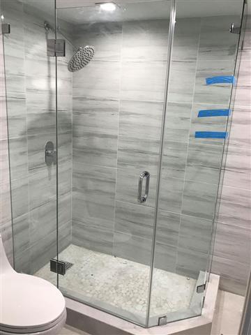 Yordi shower glass & Mirror image 3