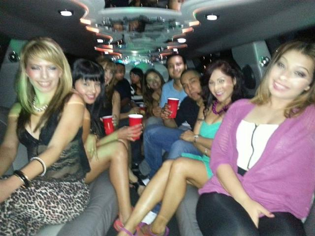 Limo baratas hummer partybus image 2