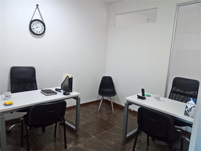 $4500 : Oficina amueblada en Querétaro image 2