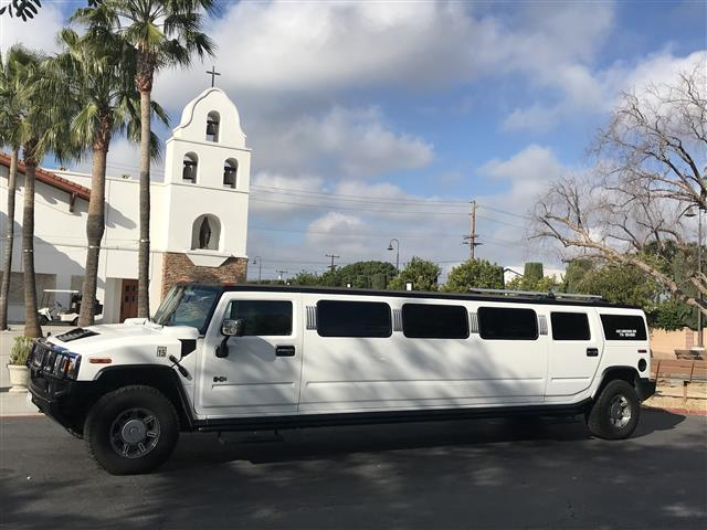 Limos 4hrs $360 si $360 image 3