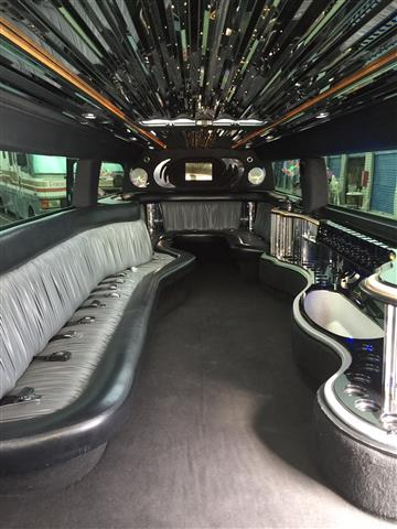 Party bus Hummer H2 image 2