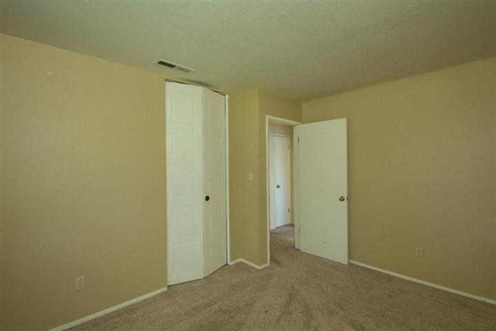 $1000 : Single story home located image 2