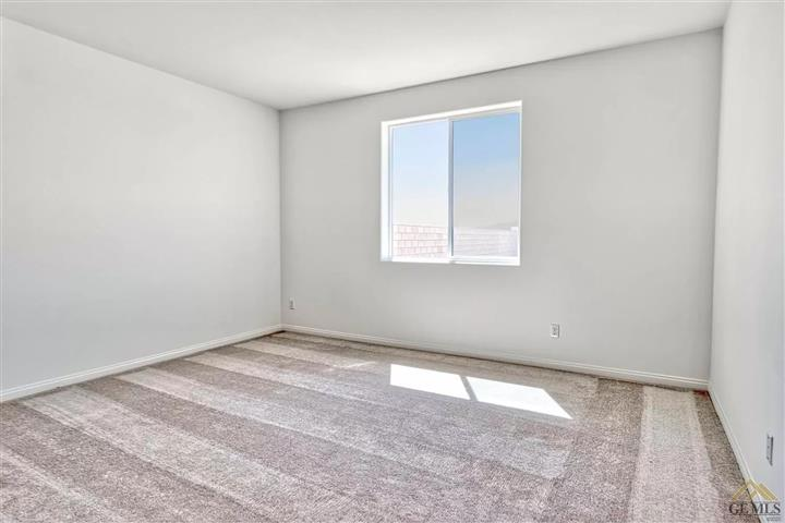 $980 : move in ready image 3