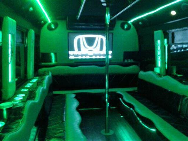 Party bus Hummer H2 image 1