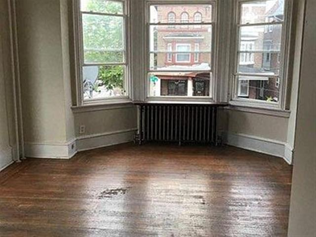 $750 : Apartment for rent image 1