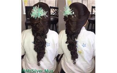 PRO MAKEUP/HAIR SERVICES image 1
