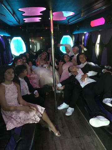 Limousine Party bus $99h si 99 image 3