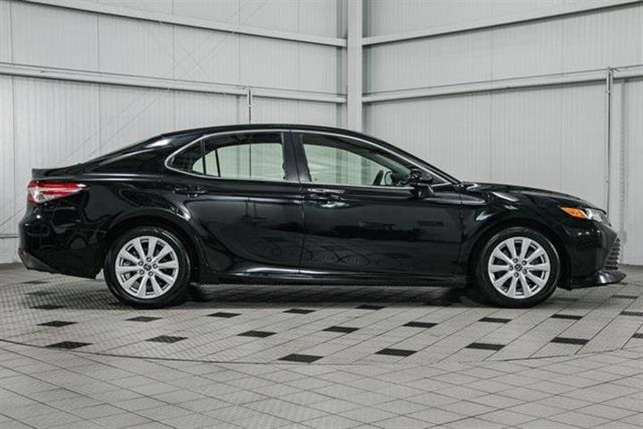 $20999 : 2018 Toyota Camry LE image 8