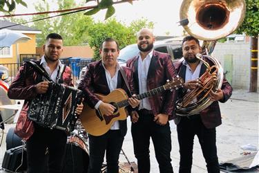 Grupo Norteño con Tuba en Los Angeles