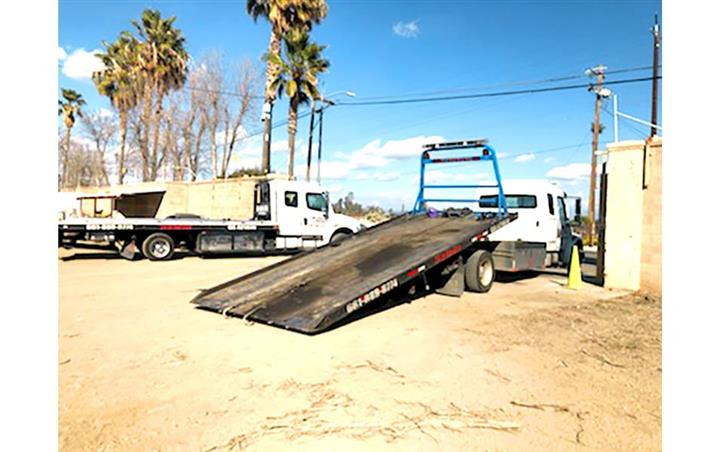 TOWING SERVICE image 2