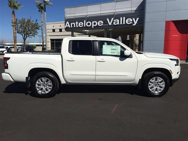 $33685 : 2022 Nissan Frontier SV image 8