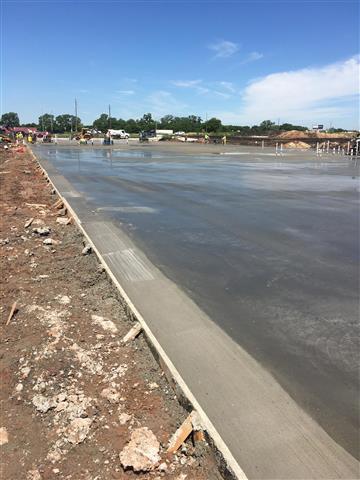Manuel concrete image 1