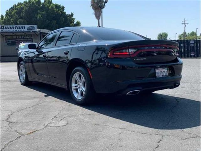 2015 Dodge Charger image 3